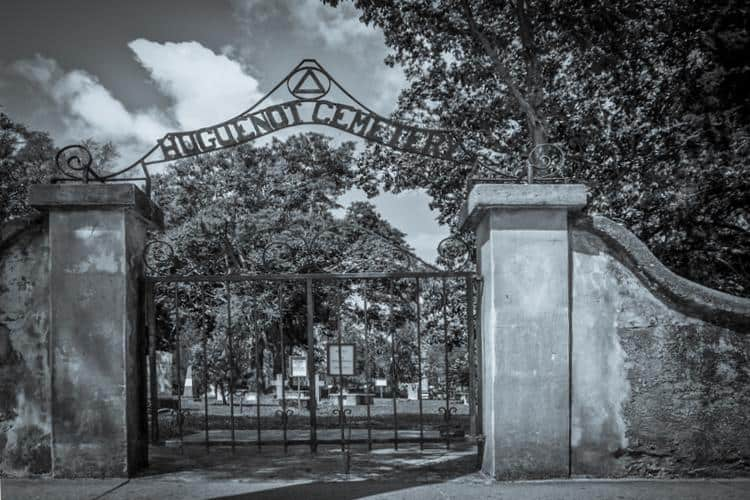 ghostly experience walking tours